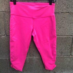 LULULEMON Hot Pink Yoga Capri Leggings Scrunch 8